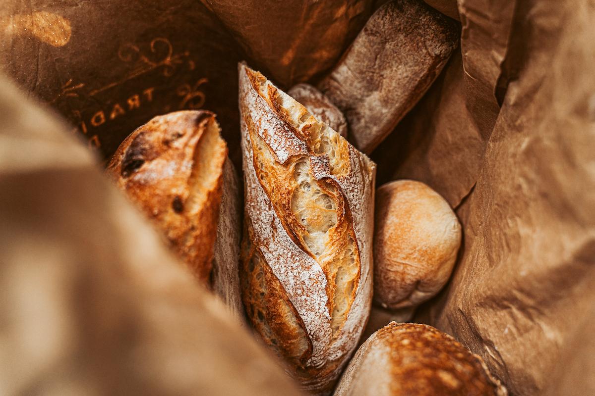 Frisches Brot aus der Hofmanufaktur zum Huttenberg